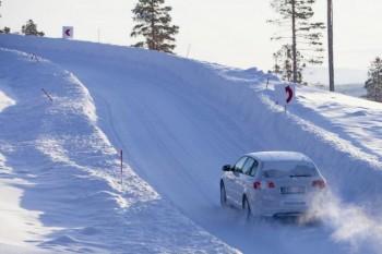 Freddo, umidità e gelo: tempo di pneumatici invernali!