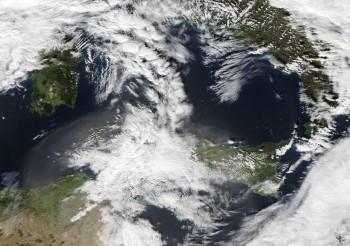 Italia divisa tra caldo primaverile e freddo Autunnale. Sabbia in arrivo!