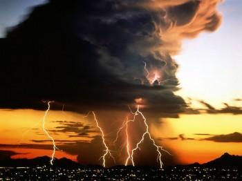 (Ri)torna la stagione dei temporali: ecco le zone più a rischio.