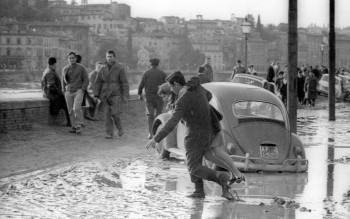 """La """"Situazione di blocco"""" e le ripercussioni sull'Italia"""