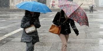 Incursione invernale nelle prossime 48 ore: netto calo termico, venti forti, rovesci e nevicate in montagna