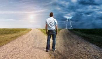 Tendenza meteo Pasqua e Pasquetta: Italia divisa tra bel tempo e vortice, cosa accadrà?