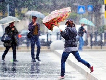 Maltempo martellante: perturbazioni a raffica nel Weekend con freddo, pioggia e neve!