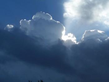 Meteo venerdì 7 agosto: qualche rovescio al sud e sulle Alpi, soleggiato altrove