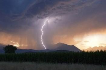 Meteo weekend: caldo moderato, ma maggiore instabilità con rovesci temporaleschi in agguato!