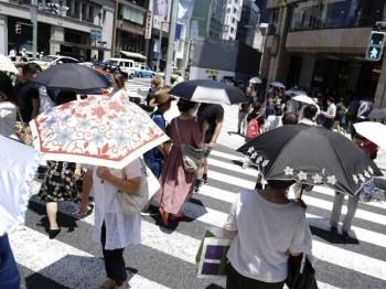 Il Giappone non ha pace, prima alluvioni, ora caldo infernale