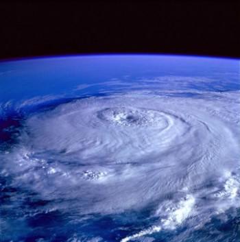 Uragano Leslie pronto all'impatto: Portogallo e Spagna in allerta per le prossime ore!