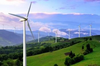 Calano le rinnovabili in Italia, lontani gli obiettivi 2030