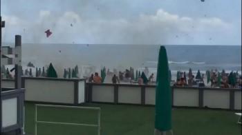 Tromba d'aria sul litorale casertano, in Campania: si segnalano feriti e danni!