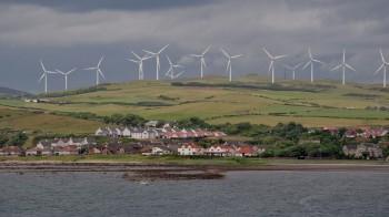 In Scozia l'eolico produce il doppio dell'energia necessaria