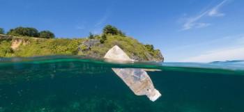 Vacanze plastic-free: 7 modi per ridurre la plastica in viaggio