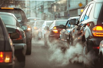 Ridurre le emissioni aiuterebbe a prevenire il secondo picco di coronavirus