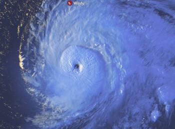 Uragani atlantici: Teddy raggiungerà le Bermuda e poi il Canada